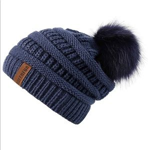 ❣️ BACK IN STOCK!! ❣️ 5🌟 Rated PomPom Beanie